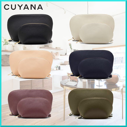 Unisex Plain Leather Pouches & Cosmetic Bags
