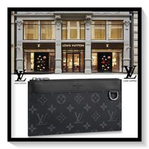 Louis Vuitton Monogram Canvas Blended Fabrics Wallets & Small Goods