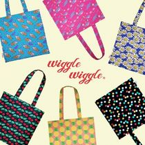 wiggle wiggle Flower Patterns Unisex Street Style A4 Plain Shoppers