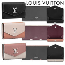 Louis Vuitton LOCKME Bi-color Leather Folding Wallets