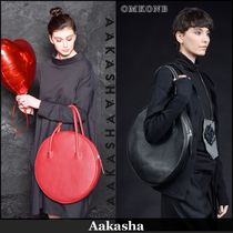 Aakasha Casual Style Plain Leather Handbags