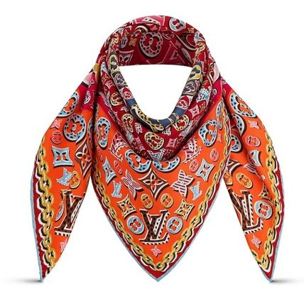 fcd58b62ae652 Louis Vuitton. Unisex Silk Lightweight Scarves   Shawls  MONOGRAM    2019  SS