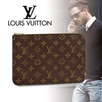 Louis Vuitton MONOGRAM Monogram Canvas Clutches