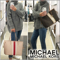 Michael Kors JET SET TRAVEL Star Casual Style Blended Fabrics A4 Plain Leather Totes