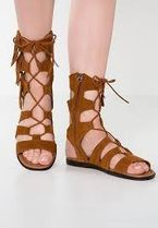 Minnetonka Open Toe Rubber Sole Casual Style Footbed Sandals