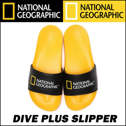 NATIONAL GEOGRAPHIC More Sandals Sandals