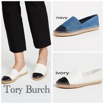 Tory Burch Round Toe Rubber Sole Casual Style Sheepskin Bi-color Flats