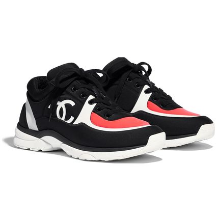 CHANEL Low-Top Casual Style Plain Logo Low-Top Sneakers 2