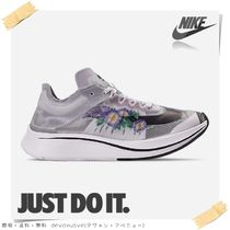 Nike AIR ZOOM Low-Top Sneakers