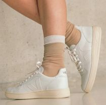 VEJA V10 Unisex Leather Low-Top Sneakers
