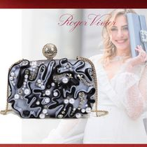 Roger Vivier Chain Party Style With Jewels Clutches