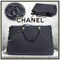 CHANEL MATELASSE A4 2WAY Chain Plain Leather Elegant Style Totes