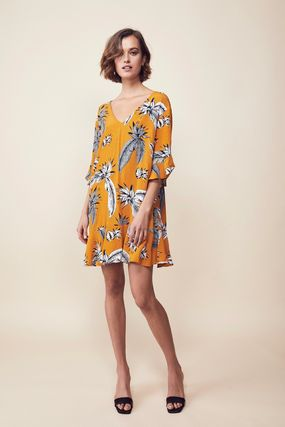 Short Tropical Patterns Cropped Dresses