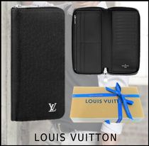 Louis Vuitton Unisex Plain Long Wallets