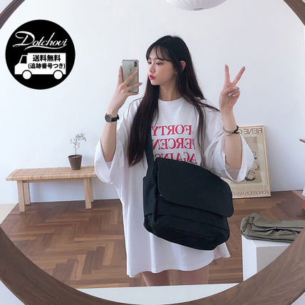 Casual Style Unisex Street Style A4 Plain Shoulder Bags