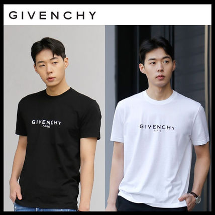 GIVENCHY More T-Shirts Street Style T-Shirts