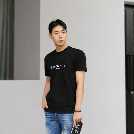 GIVENCHY More T-Shirts Street Style T-Shirts 6
