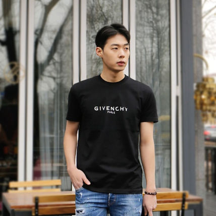 GIVENCHY More T-Shirts Street Style T-Shirts 7