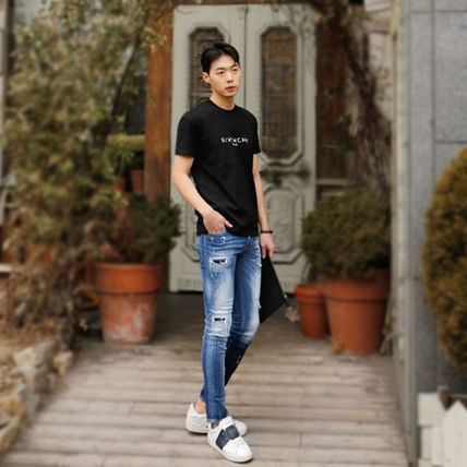 GIVENCHY More T-Shirts Street Style T-Shirts 9