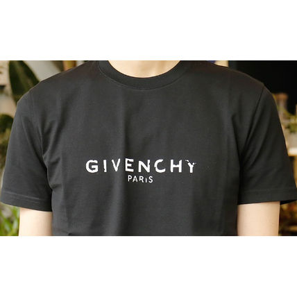 GIVENCHY More T-Shirts Street Style T-Shirts 10