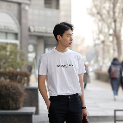 GIVENCHY More T-Shirts Street Style T-Shirts 18