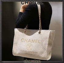 CHANEL DEAUVILLE Casual Style Unisex Canvas A4 2WAY Chain Plain Totes