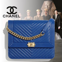 CHANEL BOY CHANEL Lambskin 3WAY Chain Plain Party Style Clutches