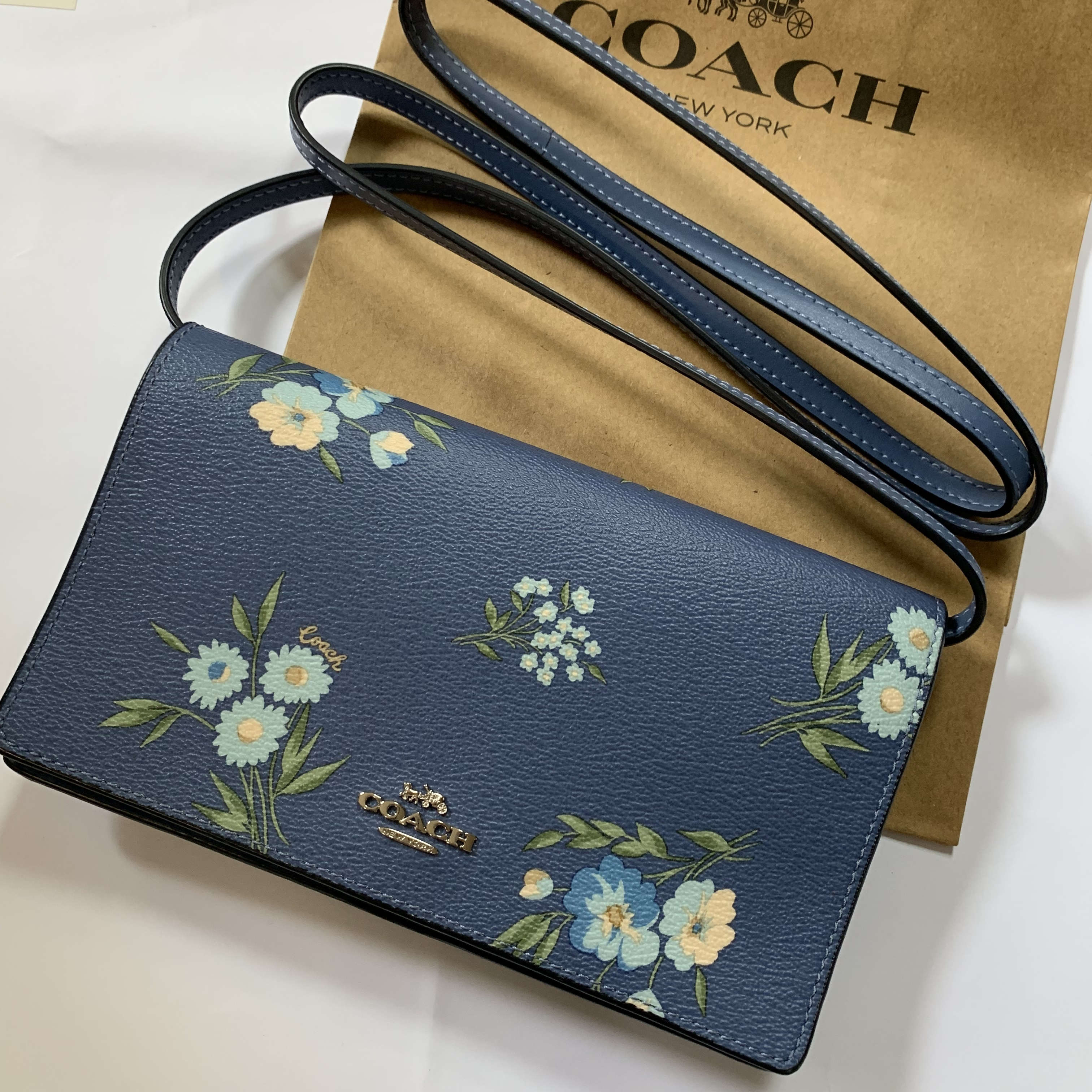 shop coach poppy