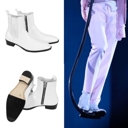BTS's  [ORDINARYPEOPLE] white ankle zipper boots