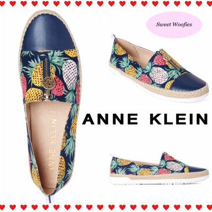 Tropical Patterns Round Toe Slip-On Shoes
