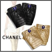 CHANEL 2019-20AW GLOVES black, gold gloves