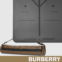 Burberry Street Style Collaboration HOME