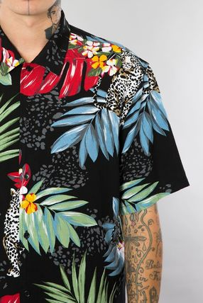 Button-down Leopard Patterns Tropical Patterns Street Style