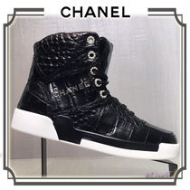 CHANEL Lace-up Other Animal Patterns Low-Top Sneakers