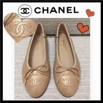 CHANEL ICON Plain Leather Office Style Flats