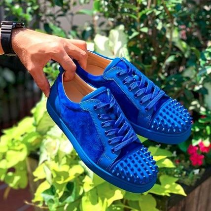 new concept 7a3fc 1f8b0 Christian Louboutin LOUIS 2019-20AW Suede Blended Fabrics Studded Street  Style Plain Sneakers (LOUIS-JUNIOR-SPIKES-BLUE)