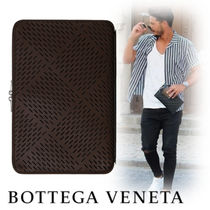 BOTTEGA VENETA Unisex Street Style Leather Clutches