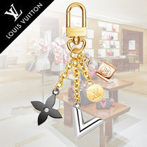 Louis Vuitton V Flower Patterns Street Style Chain Keychains & Bag Charms