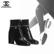 CHANEL Plain Toe Street Style Chain Plain Leather Office Style
