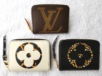 Louis Vuitton ZIPPY COIN PURSE Camouflage Monogram Leopard Patterns Unisex Street Style