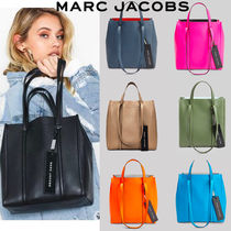 MARC JACOBS THE TAG TOTE Plain Leather Totes