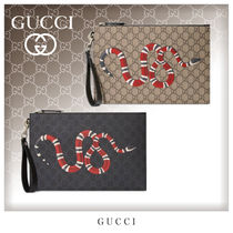 GUCCI GG Supreme Unisex Canvas Bag in Bag Other Animal Patterns Clutches