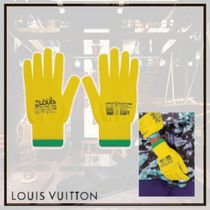 Louis Vuitton Street Style Gloves Gloves