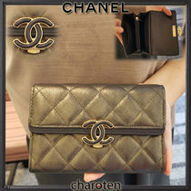 CHANEL ICON Unisex Calfskin Bi-color Plain Long Wallets