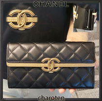 CHANEL ICON Unisex Lambskin Bi-color Plain Long Wallets
