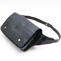 IL BISONTE Unisex Plain Leather Handmade Hip Packs