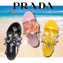 PRADA Flower Patterns Round Toe Casual Style Leather Flip Flops