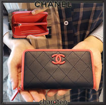 CHANEL ICON Lambskin Bi-color Plain Long Wallets