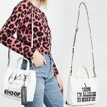 MARC JACOBS Unisex Plain Oversized Totes