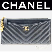CHANEL ICON Street Style Plain Leather Handmade Pouches & Cosmetic Bags